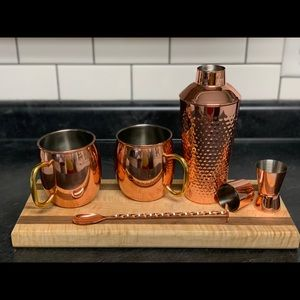 Cocktail glasses and shaker set